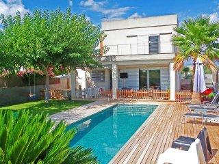 Villa S'Estacio - Modern villa for families