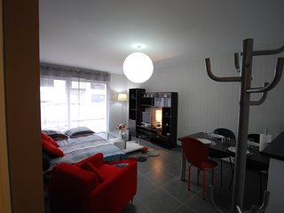 Appartement calme et lumineux, wi fi situé dans un petit bourg au bord de la mer