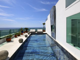 Rio047-Large 5 suites penthouse with private pool on Copacabana beachfront
