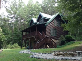 Log Cabin Retreat at Hidden Lake - near Marion, NC