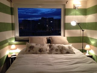 Camera attico con terrazzo a picco sul mare