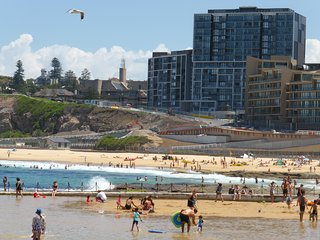 Arena Luxury Beachfront Apartment - Newcastle Beach