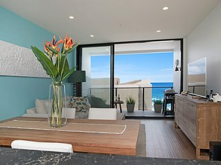 Luxury Beachfront Apartment - Newcastle Beach