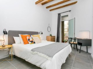 Modernist with 2bed in the center of BCN
