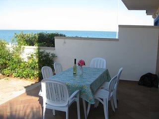 Chalet pareado con jardín 20 metros de la playa