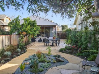 Quiet, Well-Lit 1Br/1Ba Duplex Unit with Large Private Garden