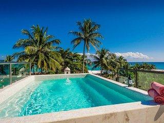 Casa Nikki - Spacious 5 BR Villa with 2 Pools next to Playacar Beach!