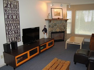 Big White Eagles Resort Huge #308: 3 Bedroom Condo in Prime Location!