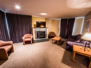 1 Bedroom Corner Suite for 6 at the Inn at Big White, BC