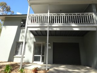 100 Blackbutt Family Townhouse Blackbutt 2 nights