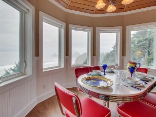 Dog-friendly condo w/ ocean views, private balcony & great location!