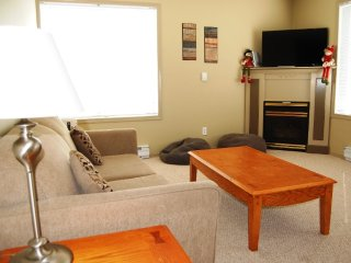 Big White Plaza on the Ridge 2 Bedroom Condo for 6