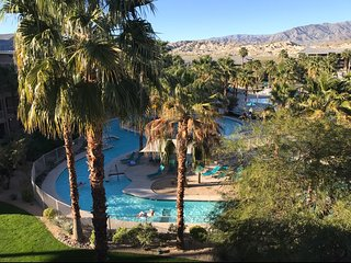 WM Two bedroom/2 bath unit at a beautiful resort near Coachella Music Festival