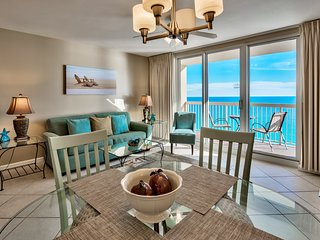 17th Floor Beachfront at Pelican, Ocean View, Pools, Beach Chairs, Wifi, Netflix