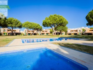 Vilamoura Private Villa with Patio and Pool