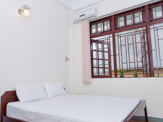 Big window full furnished studio apartment center District 1 Hai Ba Trung str
