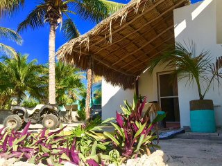 Estudio Saskal, just a few meters from the beach!