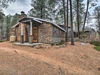 Peaceful Tiny House On 1.25 Acres w/ Fire Pit!
