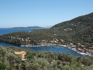 Villa Giancarlo - Lovely Villa with an Amazing View on Sivota Bay