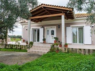 Villa Stella - 2 bedroom detached, a/c, quiet location, close to the beach.