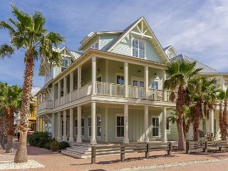 Cinnamon Shores 4BR w/ Elevator—Walk to Beach, Pool, Shopping, Dining