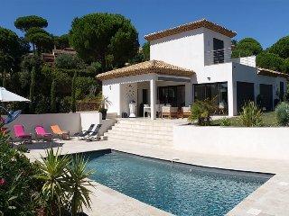 41516 aircon villa 4 bedrms, wow sea views, heated pool 9.5 x 4, beach 900 mtr