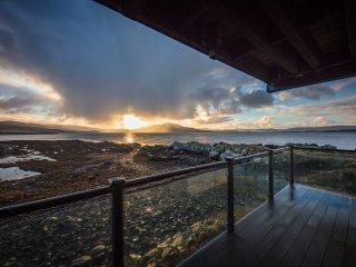 Tigh Bata, House on the sea
