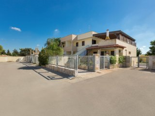 984 House near Beaches of Torre Lapillo