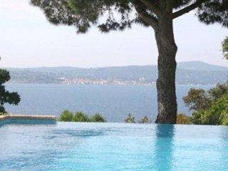 33633 villa 4 bedrooms, great sea views, infinity pool of 11 x 5 mtr, beach 2km