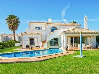 4 bedroom Villa in São Rafael, Faro, Portugal : ref 5400251