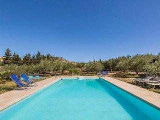 Fazio Holiday Home Sleeps 10 with Pool and Free WiFi - 5696573