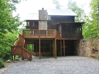 Big Timber Lodge - Unforgettable View of the Mountains and Fontana Lake from thi
