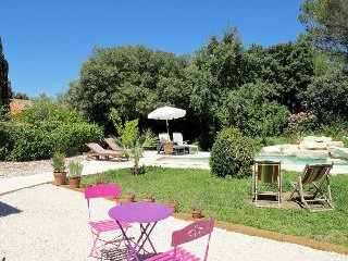 3 bedroom Villa in Eyragues, Provence-Alpes-Côte d'Azur, France : ref 5570322
