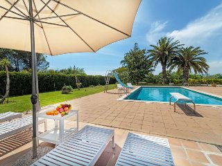 2 bedroom Villa in Quart d'Onyar, Catalonia, Spain - 5698490