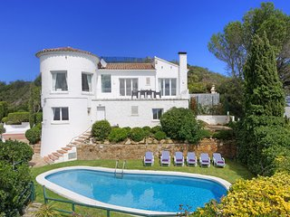 Begur Holiday Home Sleeps 8 with Pool - 5425110