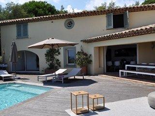 132728 villa 5 bedrms, great sea view, infinity pool, airconditioning, beach1 km