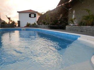 Ladeira House with Swimming Pool | Calheta
