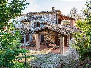 Renovated Stone Villa At The Hills Of Umbria