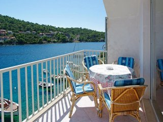 Apartments Tomasic - Two Bedroom Apartment with Terrace and Sea View (Marija)