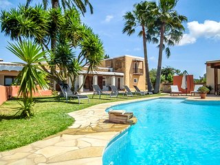 Catalunya Casas: Villa Jose for 7, with views of the hills and sea, and 10 minut