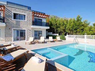 5 bedroom Villa in Lokva Rogoznica, Splitsko-Dalmatinska Zupanija, Croatia : ref