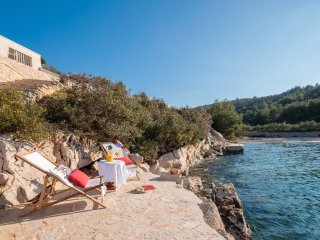 Sunset Bliss Beachfront Island Brac for 10-12,Boat Mooring,Heated Infinity Pool