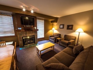 #108: 2 Bedroom + Den in Chateau Big White