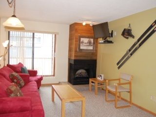 Big White Whitefoot Lodge #220: 1 Bedroom Condo