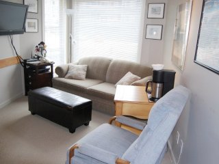 Big White Whitefoot Lodge 1 Bedroom Regular Condo for 5