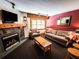 #218: 1 Bedroom + Den | White Crystal Inn, Big White