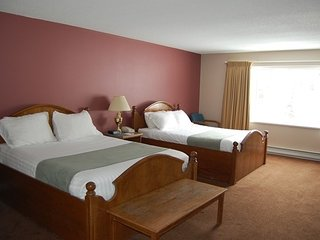 Standard Room | White Crystal Inn, Big White