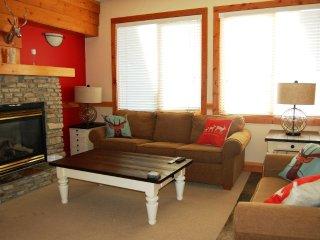 Big White Grizzly Lodge #303: 1 Bedroom Premium Condo