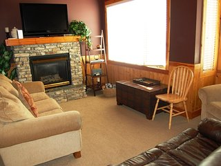 Big White Grizzly Lodge 1 Bedroom + Den Premium
