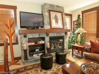 Big White Stonegate Resort Amazing 3 BR Exec Condo for 8 + HT